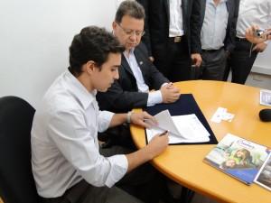 O presidente da Cremer, Leonardo Byrro, e o Prefeito de Pouso Alegre, Agnaldo Perugini