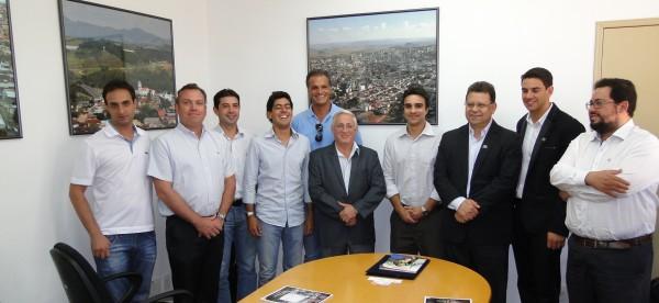 Reunião teve a presença de representantes da BTS, Cremer e da Prefeitura de Pouso Alegre. Foto: Ascom PMPA