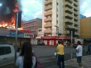 Início do incêndio em Pouso Alegre foto: Patrick Abolafio