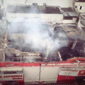 Incêndio atingiu 5 lojas foto: Manollo Marinho Jr.