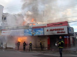 Incêndio em Pouso Alegre foto: Carlos Manoel