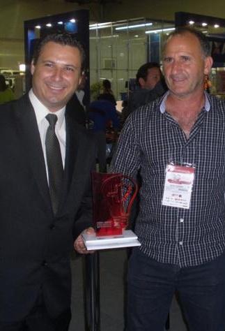 O atual prefeito de Elói Mendes, Willian, com o ex-prefeito da cidade,  Natal Cadorini