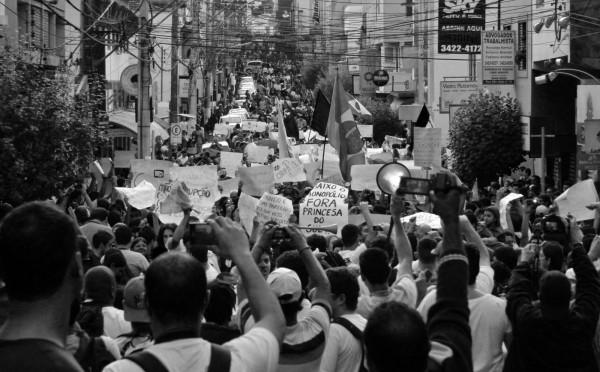 Protestos tomaram conta de Pouso Alegre