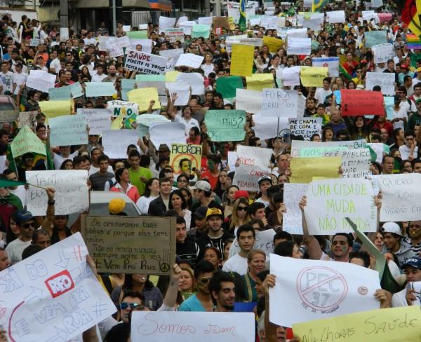 Manifestação em Pouso Alegre