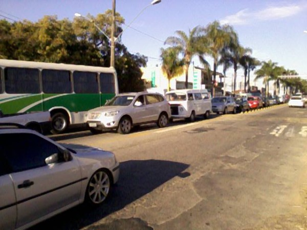 Manifestação fecha trânsito na Tuany Toledo