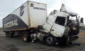 Motorista da carreta estava embriagado (Foto: Polícia Rodoviária Federal/ Pouso Alegre)