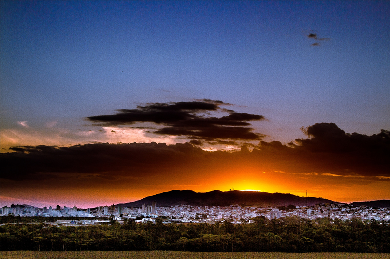 Anacleto_Portugal_Por_do_sol_em_Pouso_Alegre_interna