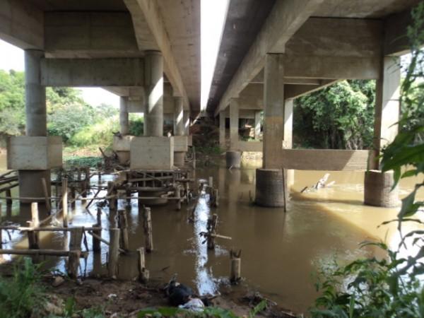 Corpo encontrado embaixo da ponte
