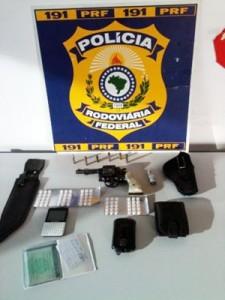 Polícia apreende rebites com motorista que apontou arma em Pouso Alegre (Foto: Polícia Rodoviária Federal)