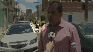Imitador do personagem capitão Jack Sparrow apareceu no meio de duas reportagens da EPTV / Globo em Pouso Alegre. Vídeo repercutiu na internet.