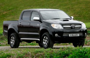 Caminhonete era do modelo Toyota Hilux. Imagem Ilustrativa.