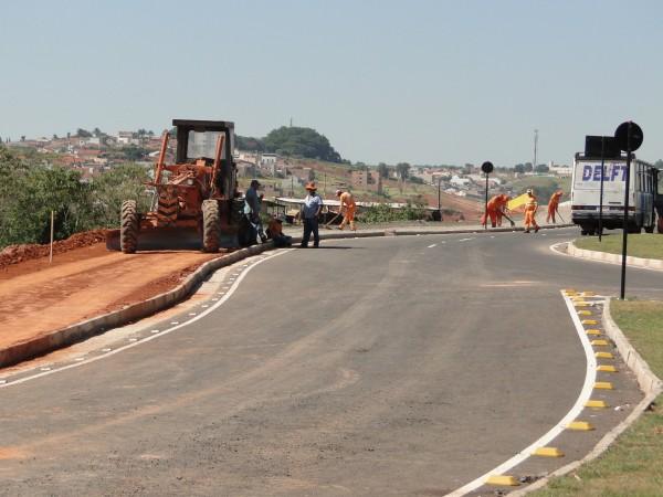 A avenida está em fase de conclusão de obras
