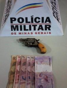 Arma utilizada no assalto estava sem munição. Foto: Polícia Militar