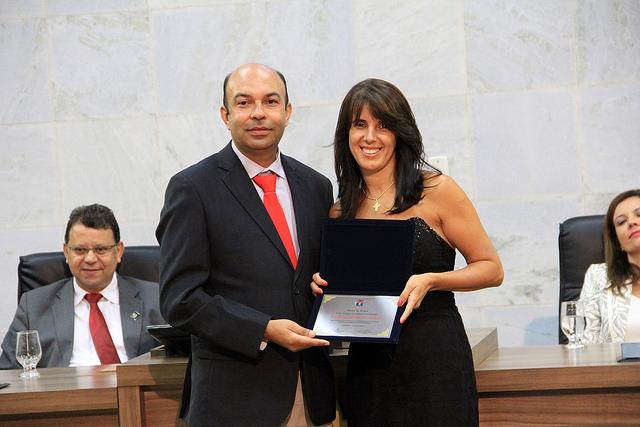 Vereador Wilson Lopes homenageou Regina de Fátima Pereira Reis