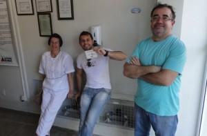 """Para Lucas Alves (centro), """"Oferecer voluntariamente vida,  não é para qualquer um e sim para quem sabe entender a   necessidade do próximo (..)""""."""