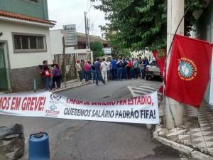 Cerca de 30 trabalhadores estiveram no Ministério do Trabalho em Pouso Alegre