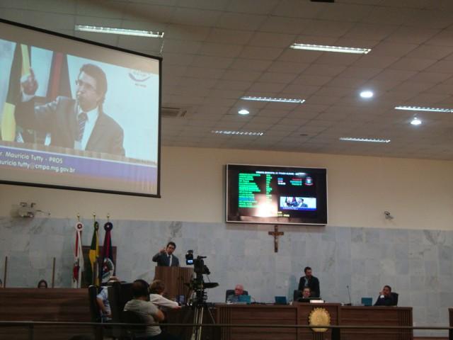 Ao criticar falta de novo nome para secretaria, Maurício Tutty não escondeu rivalidade com Raphael Prado. Foto: Daniela Ayres