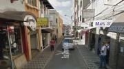 Malote que continha R$ 48 mil reais foi roubado enquanto funcionária transportava-o pela rua.