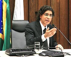 Juiz do Trabalho, Jorge Luiz Souto Maior é formado na FDSM.  Foto: Leonardo Andrade