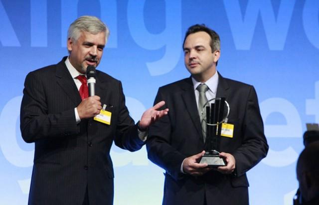 Rezende e Luiz Eduardo Rezende, da empresa Prática foram premiados como Empreendedores do Ano