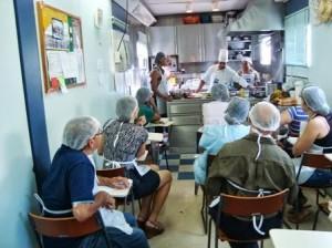 Curso esta sendo realizado dentro da Carreta-escola do Senac