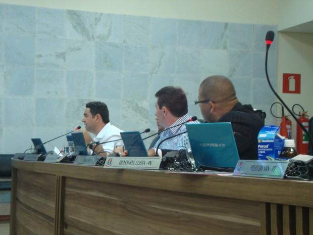 Para oposição, secretário não pode deixar de ir à Câmara no dia 13. Foto: Daniela Ayres