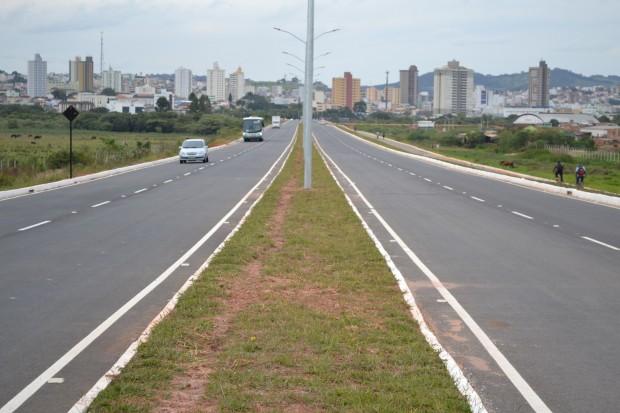 Segundo a prefeitura, legalmente a integridade da via ainda seria da <a class='post_tag' href='http://pousoalegre.net/topicos/copasa/' >Copasa</a>