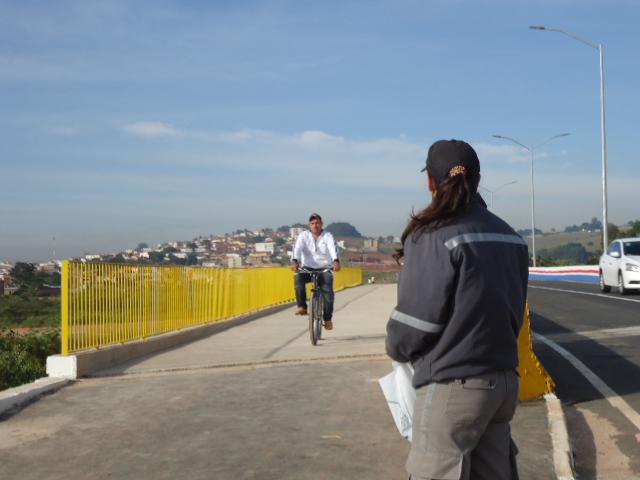 Prefeitura leva educação no trânsito a Av. Hebert de Campos. Foto: Divulgação Prefeitura de Pouso Alegre