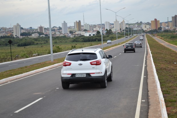Avenida deve ser usada apenas por veículos automotivos. Foto: Divulgação PMPA