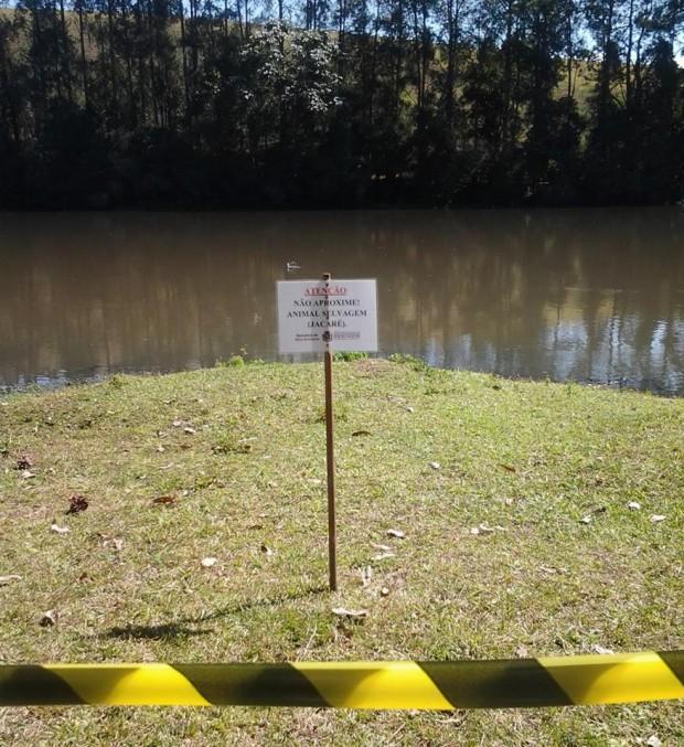 Prefeitura colocou placas de aviso para visitantes não se aproximarem. Foto: Juliano Finamor