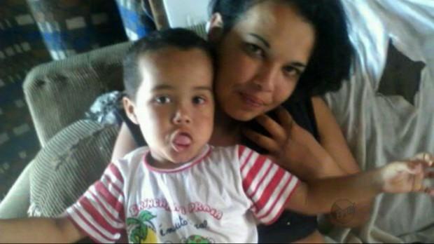 Última foto tirada da criança pela mãe. No domingo que antecedeu o crime. Reprodução EPTV