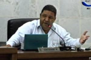 Flávio Alexandre (PR) disse que o executivo precisa dar mais explicações