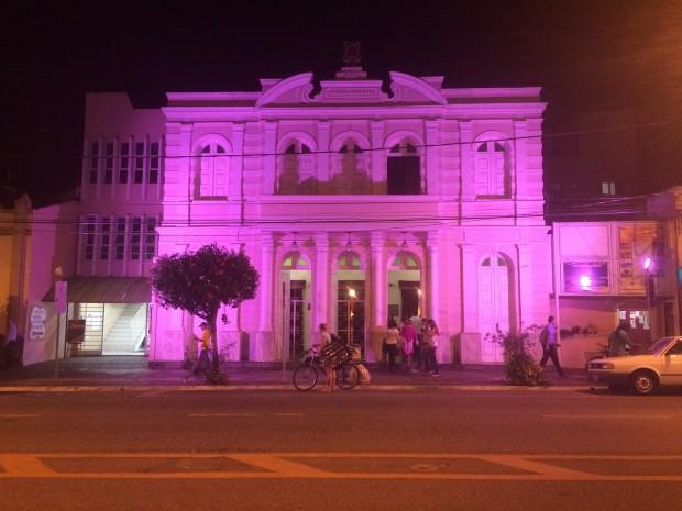 Theatro Municipal ganhou iluminação especial