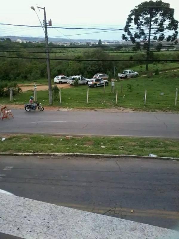 Polícia montou cerco na Remonta. Foto: Reprodução Facebook Fernando Lima