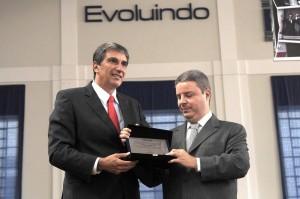 Rafael Simões foi oficializado presidente da FUVS pelo então Governador, Antônio Anastásia.