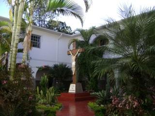 Carmelo Sagrada Família, fundado pela Serva de Deus, Mãezinha do Carmelo.