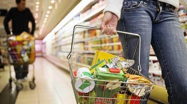 Com a inflação disparando, o correto é diminuir gastos com aluguel, afirma consultor.