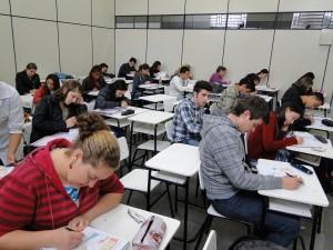 O Cursinho Municipal Pré-ENEM e Pré-Vestibular é gratuito e pretende formar alunos da rede pública e e/ou bolsistas da rede particular para ingressar no ensino superior. Serão oferecidas 150 vagas