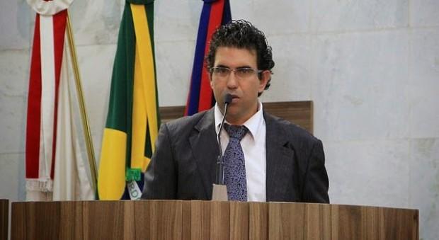 Mauricio Tutty assume liderança do governo na Câmara