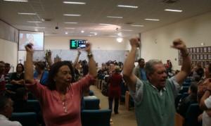 Em 2014, sessões tiveram que ser interrompidas devido a excessos em meio a participação popular.