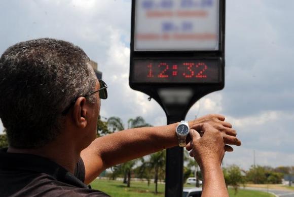 A princípio, o horário de verão acabaria no dia 22 de fevereiro. Foto: Arquivo / Agência Brasil