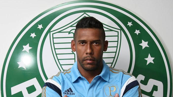 O goleiro Aranha, da SE Palmeiras, posa para foto na Academia de Futebol, no bairro da Barra Funda.  Foto: Cesar Greco / Foto arena / Divulgação