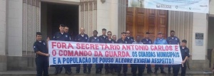 Eles pedem a saída do secretário de Defesa Social, Antônio Carlos Mendes. Prefeitura marcou reunião para esta sexta-feira (17) para resolver impasse.