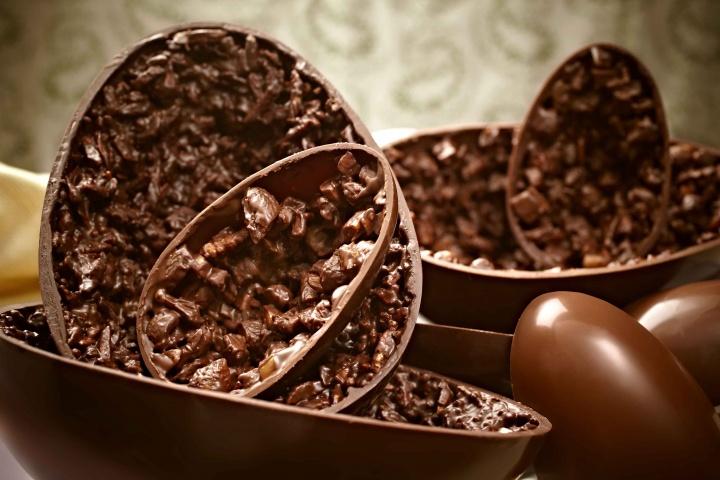 Consumo de chocolate na Páscoa deve ser moderado, alerta endocrinologista.