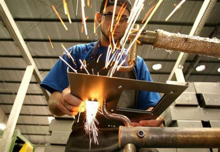 Emprego industrial tem queda de 0,6% em março