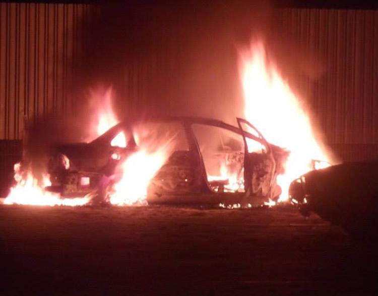 Moradores acreditam que fogo teria sido uma tentativa de intimidação contra o sindico. Condomínio teve fornecimento água cortada diversas vezes devido a inadimplência de parte dos moradores.