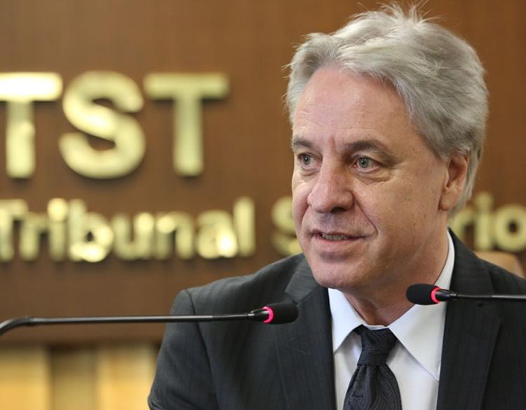 O presidente do Tribunal Superior do Trabalho (TST), Antônio José de Barros Levenhagen