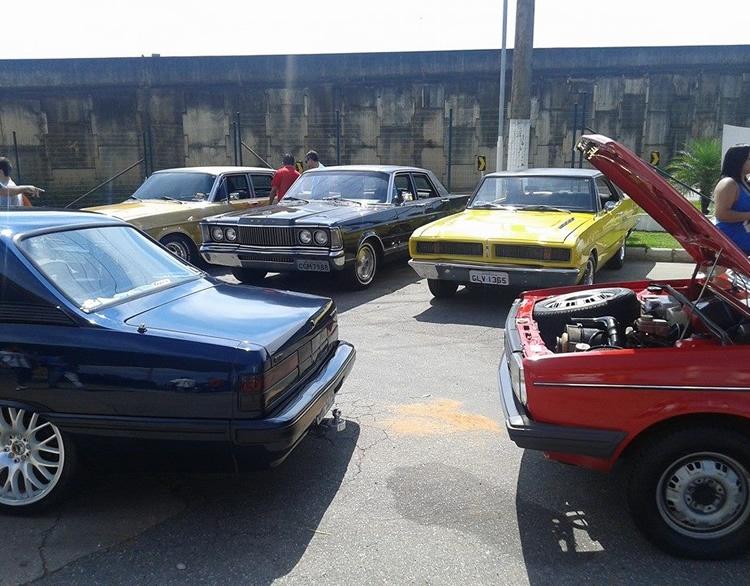 Encontro de carros antigos chega ao SerraSul Shopping nesta quinta (25).  Foto: Reprodução Facebook / Encontros de Carros Antigos de Pouso Alegre