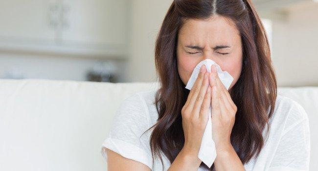 O período frio também vem acompanhado da proliferação de vírus respiratórios, que aumentam manifestações respiratórias.