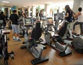 O sedentarismo atinge 45,9% dos brasileiros, divulgou hoje (22) o Ministério do Esporte, na pesquisa Diagnóstico Nacional do Esporte. Os números foram coletados em 2013 e dão conta de que 67 milhões de pessoas não fazem atividade física ou praticam esporte. O problema é mais comum entre as mulheres, grupo no qual o índice chega […]